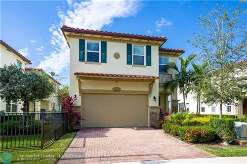 Photo of 5223 Kingfisher Way, Davie, FL 33314 (MLS # F10248104)