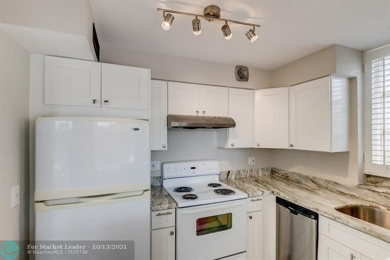 Photo of 524 Orton Ave #301, Fort Lauderdale, FL 33304 (MLS # F10304104)