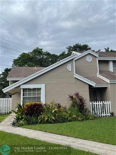 Photo of 1011 SW 111th Way, Davie, FL 33324 (MLS # F10305106)