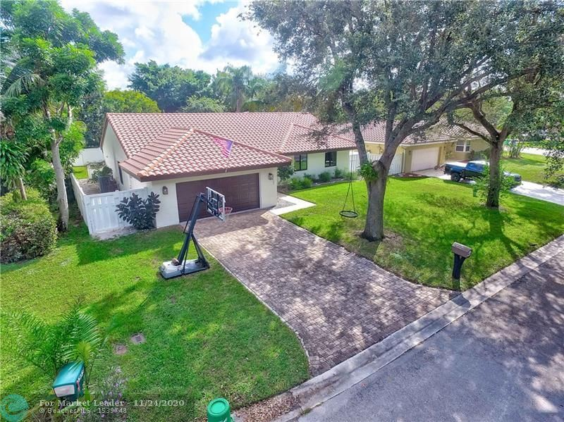 Photo of 5137 NW 65th Ter, Coral Springs, FL 33067 (MLS # F10260112)