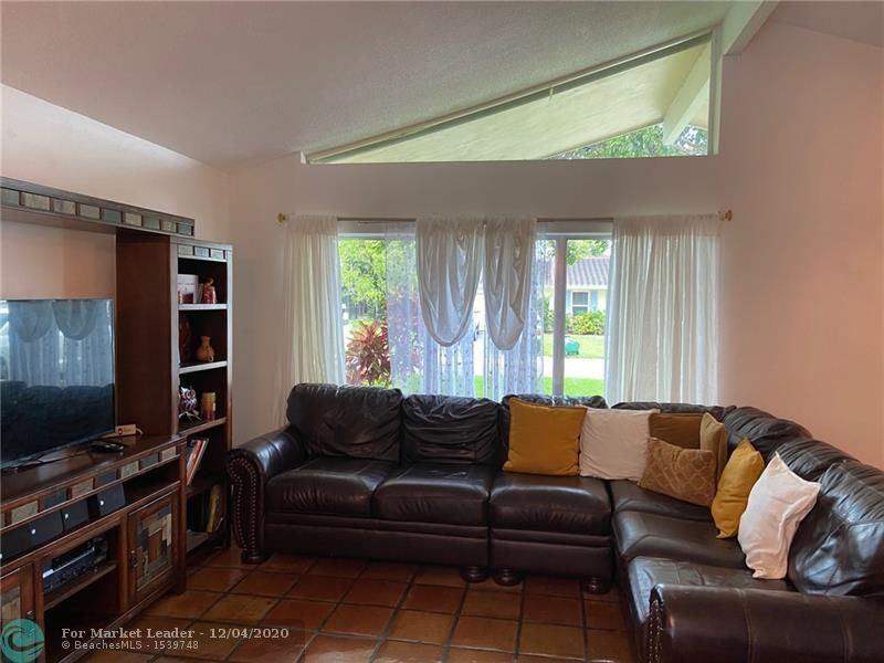 10660 NW 42nd Dr, Coral Springs, FL 33065 - #: F10248114