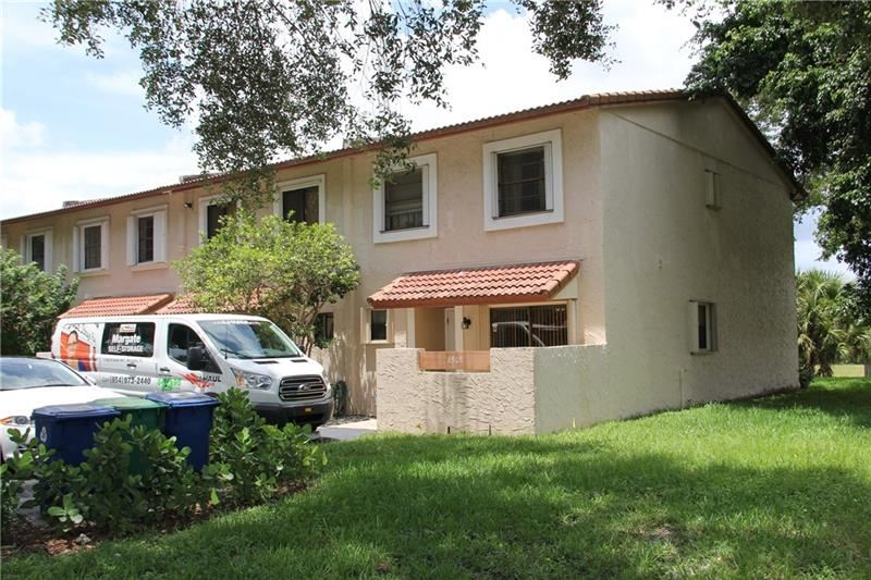 8905 NW 38th Drive #4, Coral Springs, FL 33065 - #: F10280116