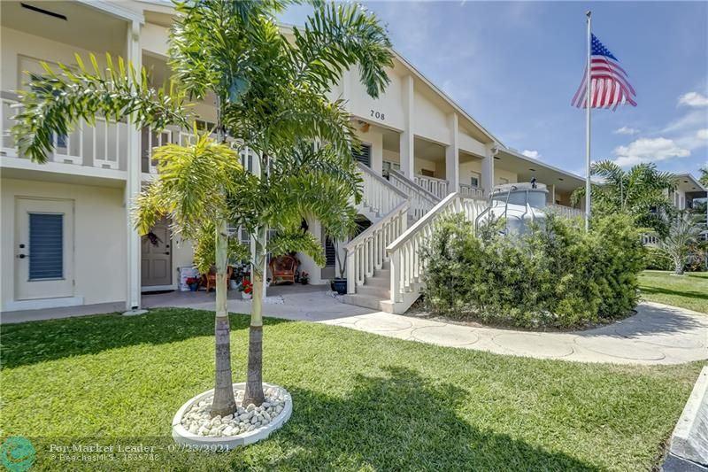 Photo of 708 SE 7th Ave #4, Pompano Beach, FL 33060 (MLS # F10294116)