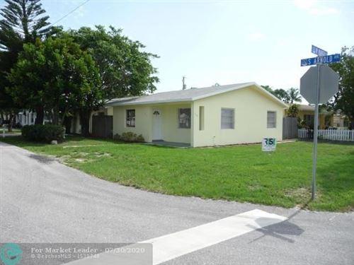 Photo of Listing MLS f10241126 in 705 W Mango Street Lake Worth FL 33462