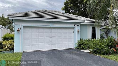 Photo of 9020 Lake Park Cir, Davie, FL 33328 (MLS # F10300130)