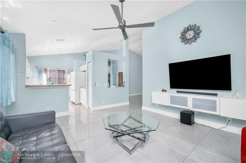 Photo of 629 Stanton Ln, Weston, FL 33326 (MLS # F10261134)