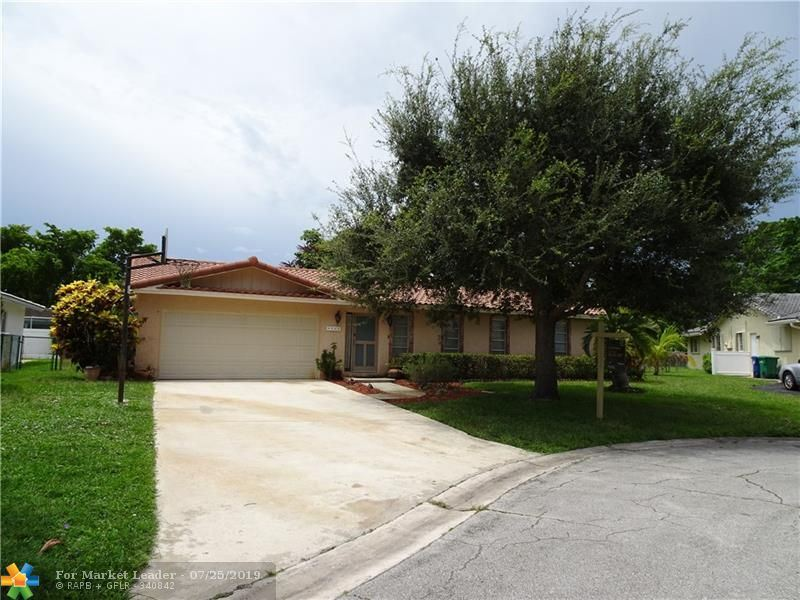 Photo for 8562 NW 25th Pl, Coral Springs, FL 33065 (MLS # F10180142)