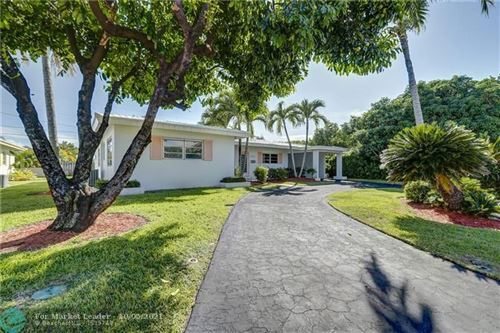Photo of 226 Algiers Ave, Lauderdale By The Sea, FL 33308 (MLS # F10303145)