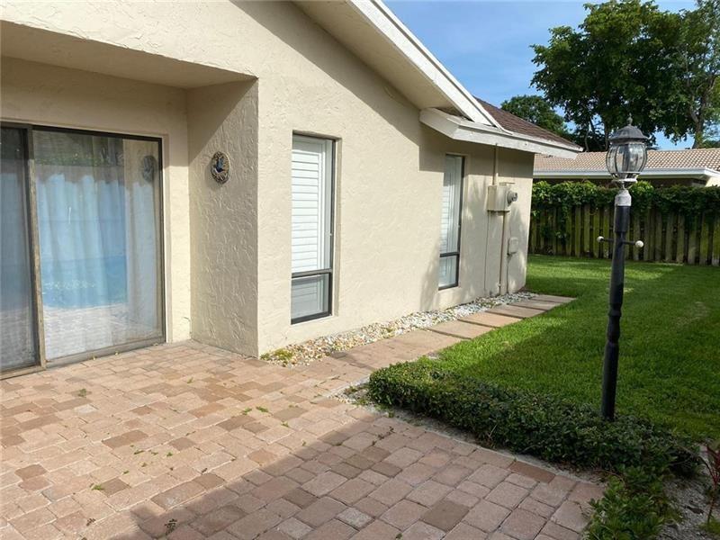 2382 NW 30th St, Boca Raton, FL 33431 - #: F10277145