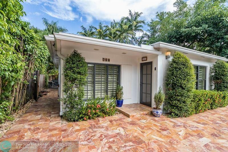 Photo of 704 NE 17TH RD, Fort Lauderdale, FL 33304 (MLS # F10250150)