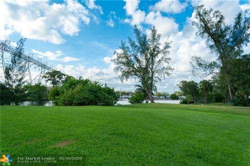 Foto de inmueble con direccion 202 NW 14th Way Dania Beach FL 33004 con MLS F10215153
