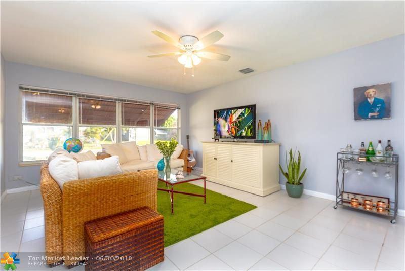 Photo for 642 NE 16th St, Fort Lauderdale, FL 33304 (MLS # F10180162)