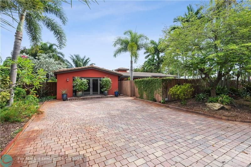Photo of 417 NW 23rd St, Wilton Manors, FL 33311 (MLS # F10290166)