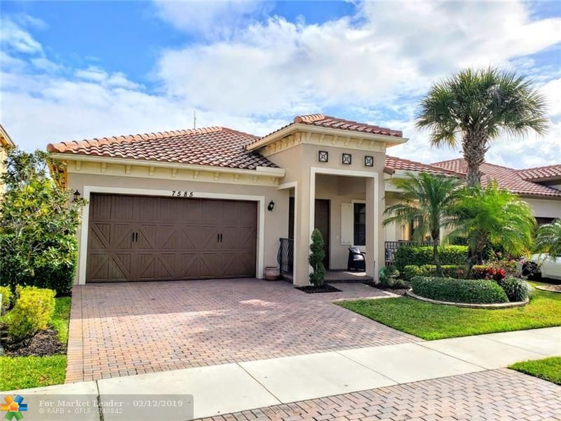 Photo for 7585 NW 111th Mnr, Parkland, FL 33076 (MLS # F10162171)