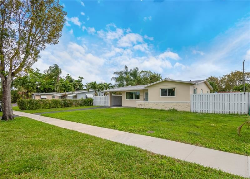 Photo of 4972 SW 92nd Ave, Cooper City, FL 33328 (MLS # F10272173)