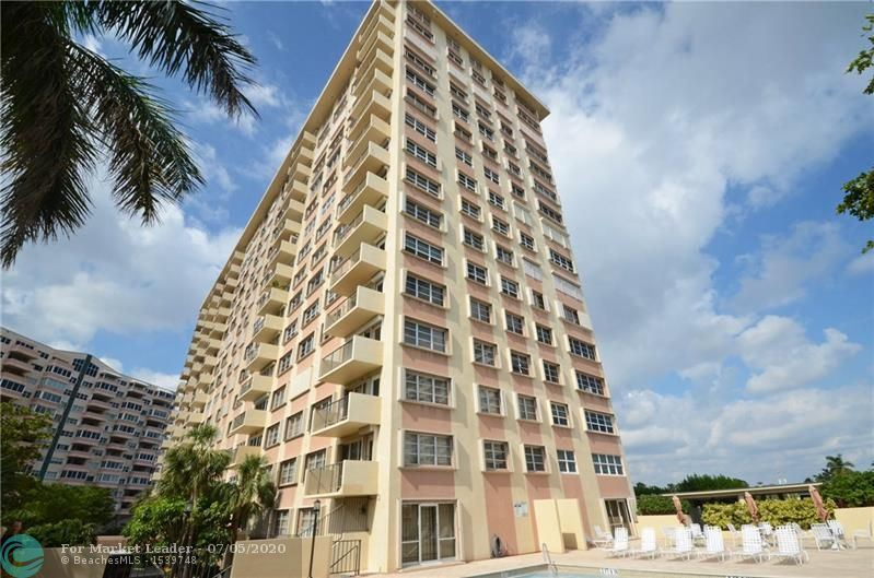 Photo of 340 Sunset Dr #301, Fort Lauderdale, FL 33301 (MLS # F10237176)
