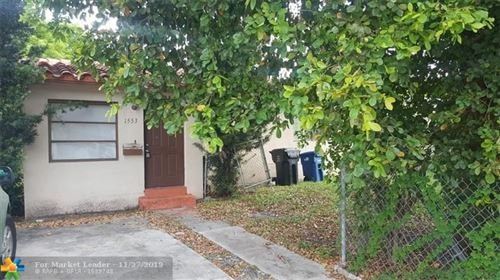 Foto de inmueble con direccion 1553 NE 152nd St North Miami Beach FL 33162 con MLS F10205183