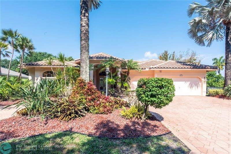 Photo of 6937 NW 107th Ter, Parkland, FL 33076 (MLS # F10282183)