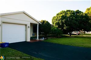 Photo of 35 Tam O Shanter Ln, Boca Raton, FL 33431 (MLS # F10153184)