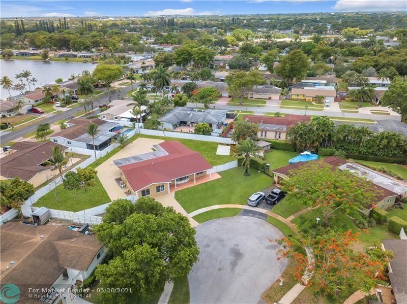 Photo of 10450 NW 19th St, Pembroke Pines, FL 33026 (MLS # F10283198)
