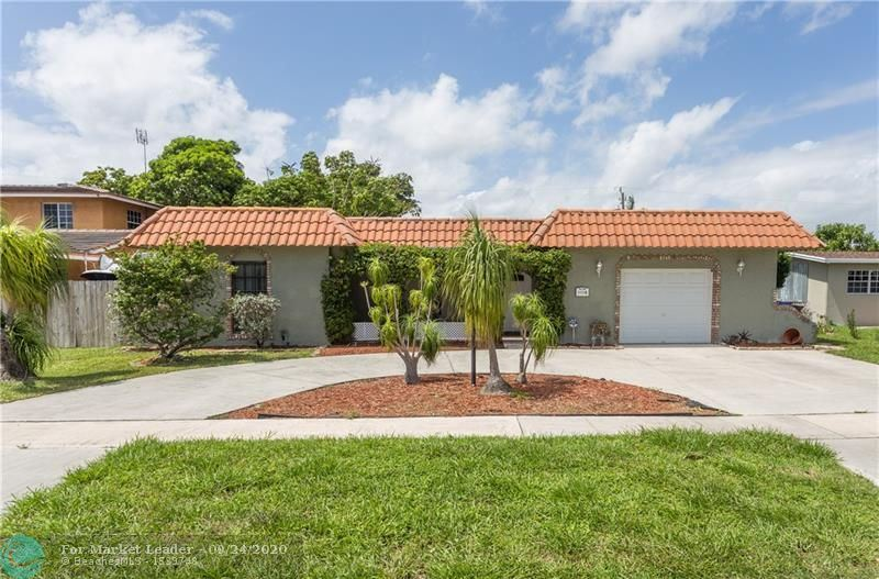 Photo of 1339 SE 4th Ave, Deerfield Beach, FL 33441 (MLS # F10250200)