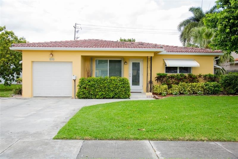 Photo of 205 SE 3rd Ter, Dania Beach, FL 33004 (MLS # F10283201)
