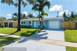 Photo of 816 SE 16th Pl, Deerfield Beach, FL 33441 (MLS # F10190207)