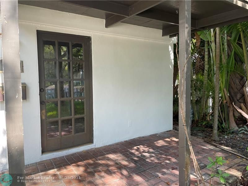 Photo of 23 SE 12th Ave, Fort Lauderdale, FL 33301 (MLS # F10294215)