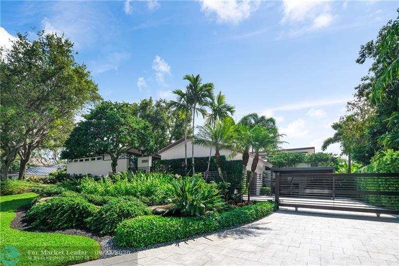 Photo of 2700 NE 40th St, Fort Lauderdale, FL 33308 (MLS # F10250216)