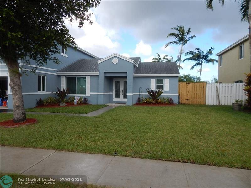 Photo of 4040 SW 70th Ter, Davie, FL 33314 (MLS # F10291217)