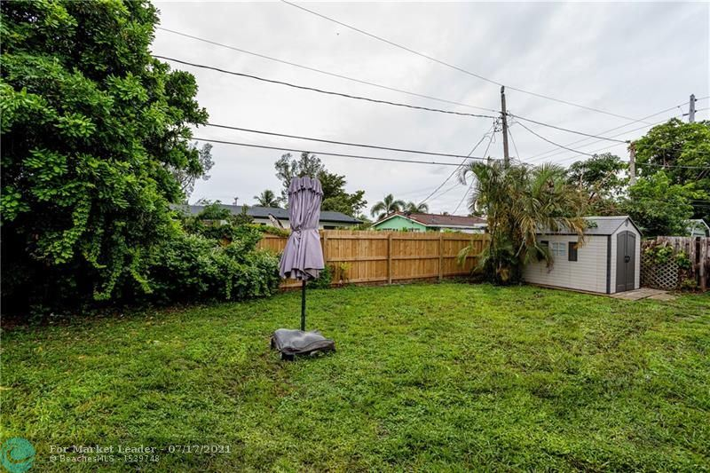 Photo of 610 NE 47th St, Oakland Park, FL 33334 (MLS # F10293219)