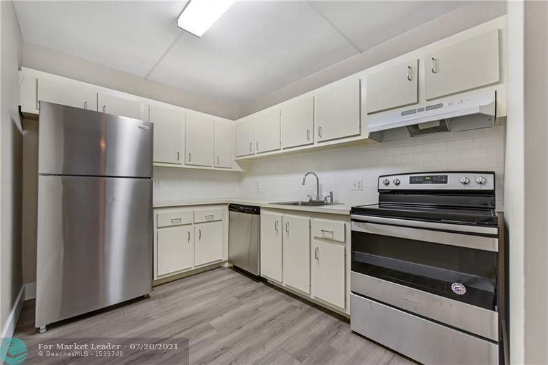 4222 Inverrary Blvd #4305, Lauderhill, FL 33319 - #: F10293221