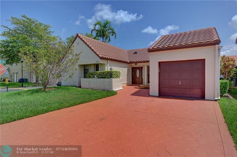 2000 Maplewood Dr, Coral Springs, FL 33071 - #: F10238222