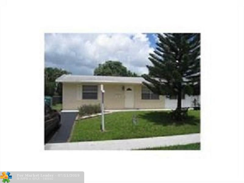Photo for 9465 SW 52nd Ct, Cooper City, FL 33328 (MLS # F10184237)