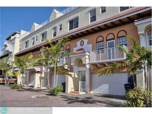 Photo of Listing MLS f10239238 in 2706 NE 8th Ave #2706 Wilton Manors FL 33334