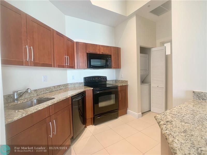 7280 SW 90th St #E703, Miami, FL 33156 - #: F10241242