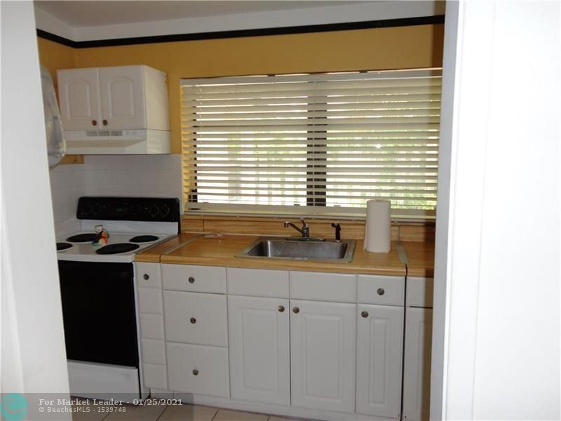 Photo of 41 NE 24th St, Wilton Manors, FL 33305 (MLS # F10268245)