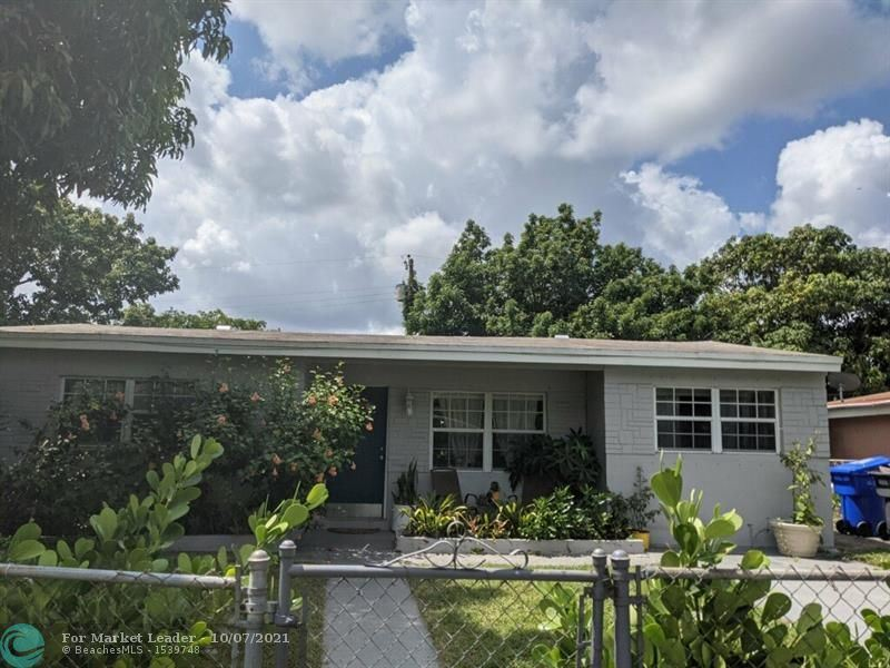 Photo of 6238 Hayes St, Hollywood, FL 33024 (MLS # F10294245)