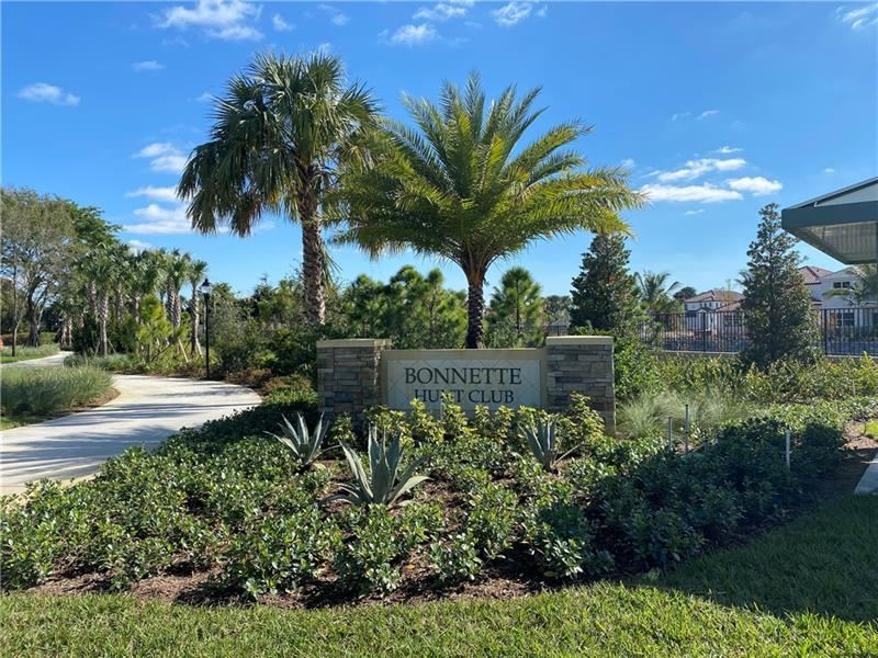 105 Bonnette Hunt Club Ln, Palm Beach Gardens, FL 33418 - #: F10277254