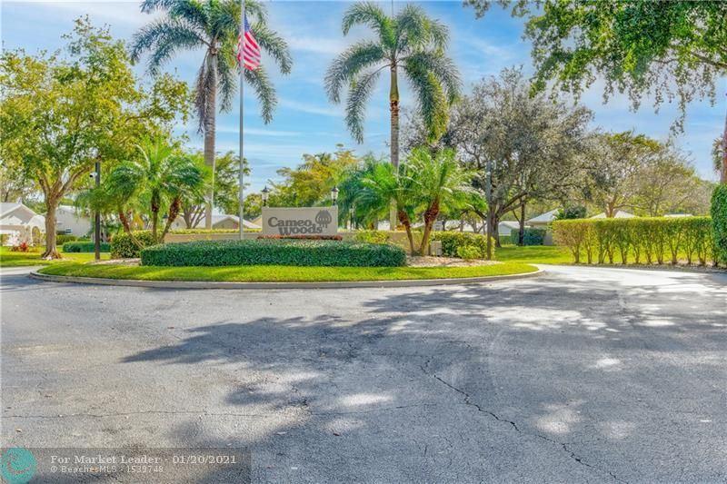 Photo of 5643 Pinecrest Cir, Boca Raton, FL 33433 (MLS # F10267257)