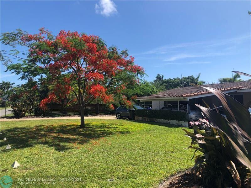 Photo of 2600 NE 26th Ave, Fort Lauderdale, FL 33306 (MLS # F10293259)