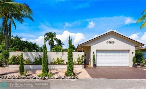 Photo of 11 Sunset Ln, Lauderdale By The Sea, FL 33062 (MLS # F10250265)