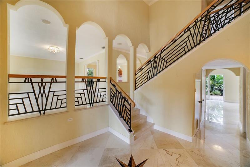 Photo of 629 Kensington Pl, Wilton Manors, FL 33305 (MLS # F10270265)