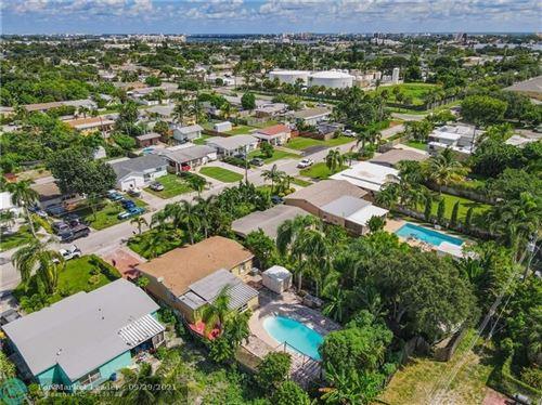 Photo of 702 W Bloxham St, Lantana, FL 33462 (MLS # F10302276)