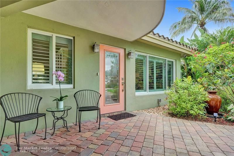 Photo of 161 NW 36th St, Oakland Park, FL 33309 (MLS # F10291282)