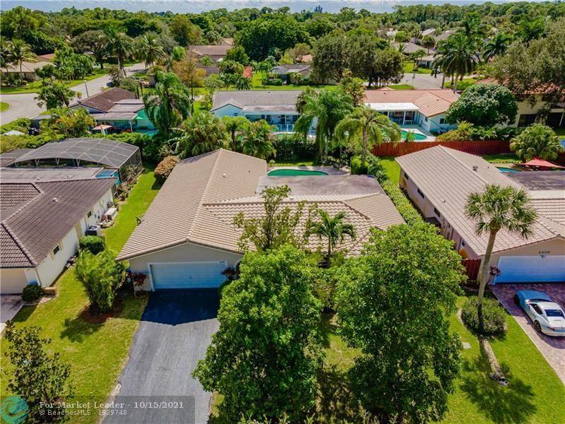 Photo of 8880 NW 20th Mnr, Coral Springs, FL 33071 (MLS # F10304283)