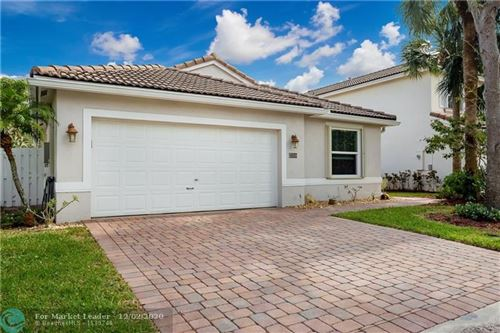 Photo of 4945 SW 35th Way, Fort Lauderdale, FL 33312 (MLS # F10260285)