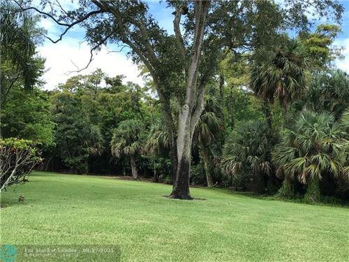 Photo of 2068 Oakridge F #2068, Deerfield Beach, FL 33442 (MLS # F10301288)