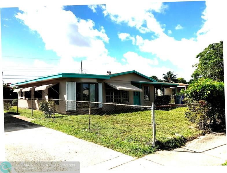 Photo of 632 NW 20th St, Pompano Beach, FL 33060 (MLS # F10305293)