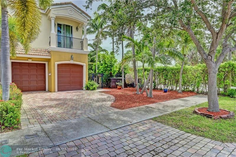 Photo of 263 Neptune Ave, Lauderdale By The Sea, FL 33308 (MLS # F10290300)